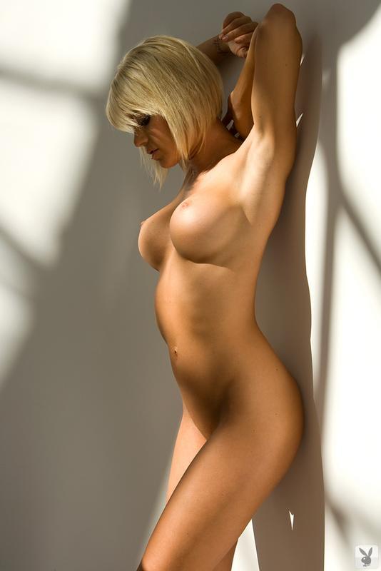 голые девушки в профиль фото