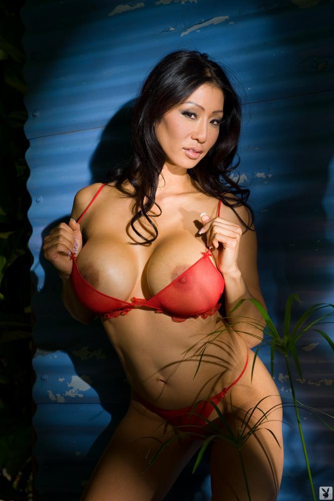 откровенные фото женщин с большой грудью