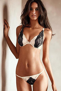Hot Brazilian Beauty Lais Ribeiro