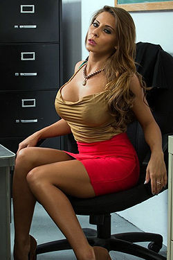 Madison Ivy Stripping
