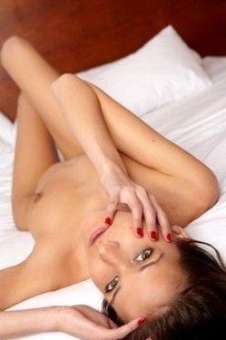 Beautiful Teen Spreads Pussy Lips